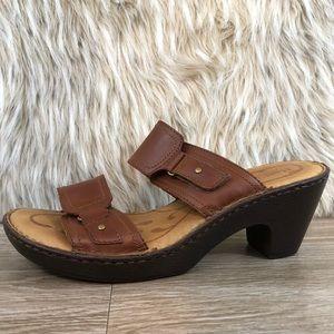 Born heeled brown leather strap sandal 10 tan